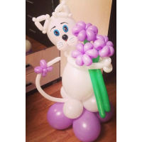 """Фигура из шаров """"Котёнок с цветами"""""""